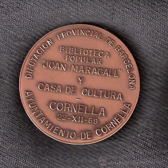 Trofeos y medallas: Biblioteca Popular *Joan Maragall* y Casa de Cultura. Cornellá 22-12-69. Medalla Conmemorativa 1969. - Foto 3 - 43052072