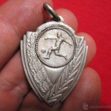 Trofeos y medallas: MEDALLA DE FUTBOL ANTIGUA. Lote 43142847