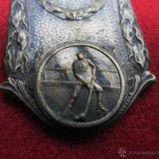 Trofeos y medallas: MEDALLA DE HOQUEY SOBRE RUEDAS ANTIGUA. Lote 43189799