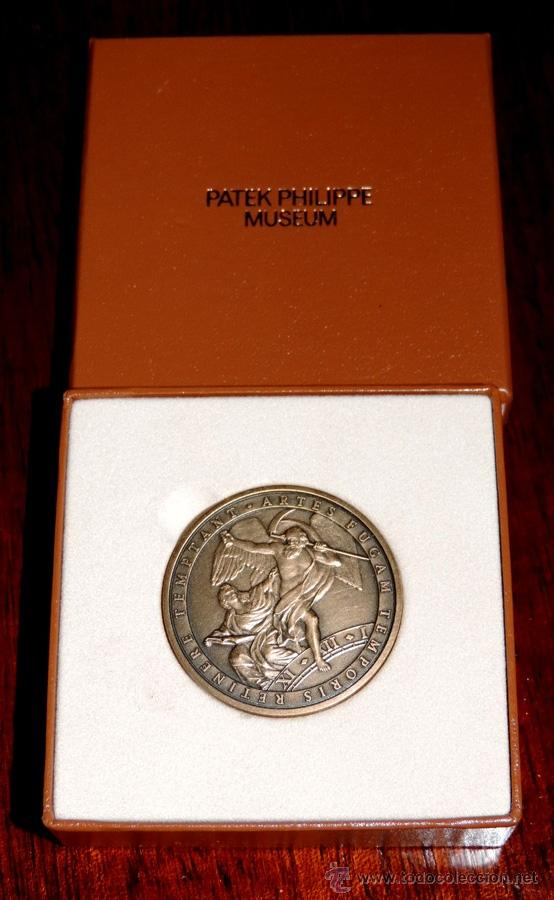 PATEK PHILIPPE MEDALLA MUSEO, ARTES FUGAM TEMPORIS RETINERE TEMPTANT AUX PASSIONNÉS DE L'HORLOG (Numismática - Medallería - Trofeos y Conmemorativas)