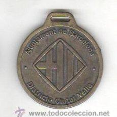 Trofeos y medallas: MEDALLA AJUNTAMENT DE BARCELONA DISTRICTA CIUTAT VELLA CASAL MUNICIPAL CURS 2004. Lote 43946862