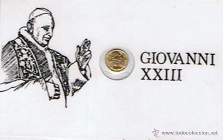 CARNET DE GIOVANNI XXIII CON PEQUEÑA MONEDA CONMEMORATIVA (PLASTIFICADO) (Numismática - Medallería - Trofeos y Conmemorativas)