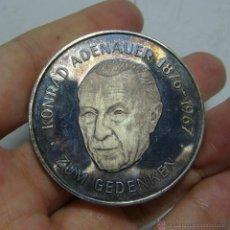 Trofeos y medallas: KONRAD ADENAUER 1876-1967. MEDALLA CONMEMORATIVA DE PLATA. ALEMANIA. PLATA .999,9 MLS.. Lote 46097585