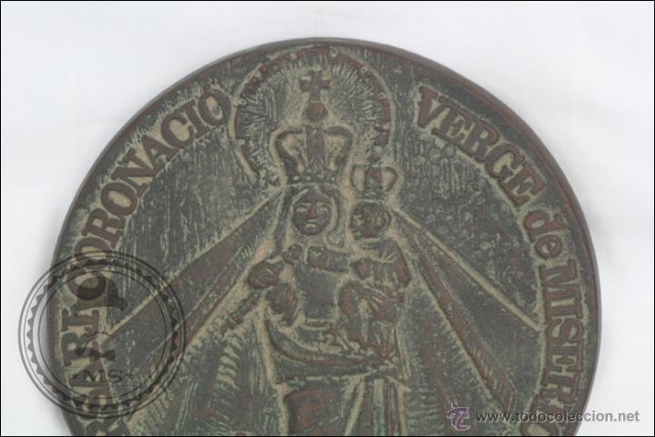 Trofeos y medallas: Medalla de Bronce 75 Aniversari Coronació Verge de Misericordia, 1904-1979, Reus - Medida 11 Cm Diám - Foto 2 - 46164635