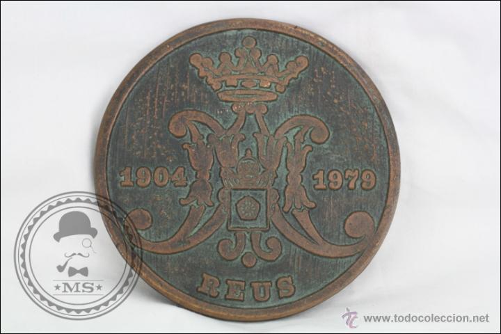 Trofeos y medallas: Medalla de Bronce 75 Aniversari Coronació Verge de Misericordia, 1904-1979, Reus - Medida 11 Cm Diám - Foto 3 - 46164635