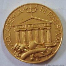 Trofeos y medallas: MEDALLA ACCADEMIA DI PAESTVM UNIFAS 50MM. Lote 46202172