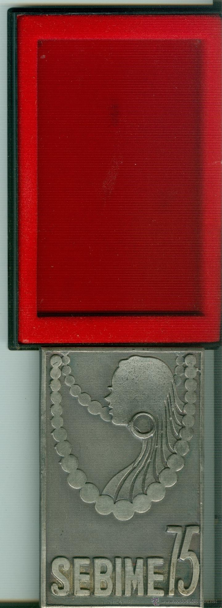 Trofeos y medallas: MEDALLA/PISAPAPELES CONMEMORATIVO SEBIME 1975 MAHÓN MENORCA - Foto 3 - 46467852