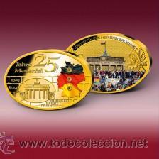 Trofeos y medallas: ALEMANIA - 25 AÑOS LA CAÍDA DEL MURO DE BERLIN, MEDALLA GIGANTE, ÓVALO, PROOF - DORADO CON SWAROVSKI - Foto 2 - 199981358