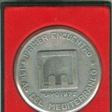 Trofeos y medallas: MEDALLA/PISAPAPELES CONMEMORATIVO 1ER ENCUENTRO ISLAS DEL MEDITERRÁNEO 1972 (MENORCA). Lote 46550762
