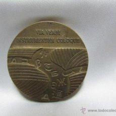 Trofeos y medallas: MEDALLA CONMEMORATIVA TELEFÓNICA VIA VERBI INSTRUMENTUM COLOQUII 1971. Lote 54294794