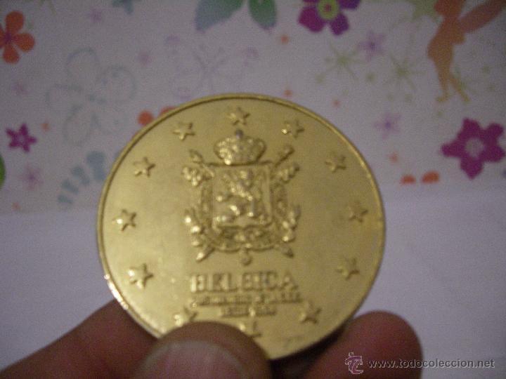 MEDALLA DORADA CONMEMORATIVA DE PAIS DE COMUNIDAD EUROPEA: BELGICA - DIAMETRO 50 MM (Numismática - Medallería - Trofeos y Conmemorativas)