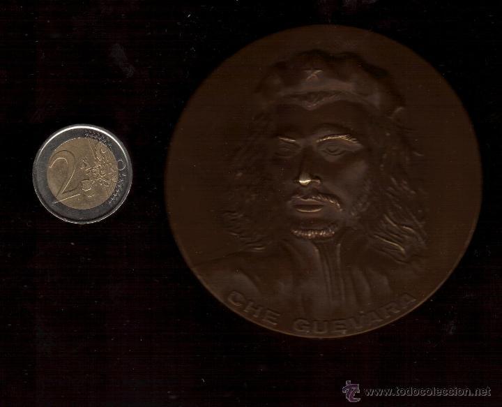 PRECIOSA MEDALLA TAMAÑO GRANDE DEDICADA AL CHE GUEVARA VER FOTOS (Numismática - Medallería - Trofeos y Conmemorativas)