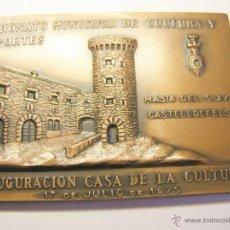 Trofeos y medallas: MEDALLA CONMEMORATIVA CASTELLDEFELS, AÑO 1975. INAUGURACIÓN CASA DE LA CULTURA.. Lote 49525150