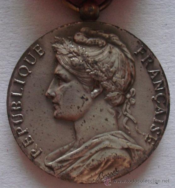 Trofeos y medallas: MEDALLA DE LA REPÚBLICA FRANCESA P.PIERRE 1970 - Foto 2 - 50172422
