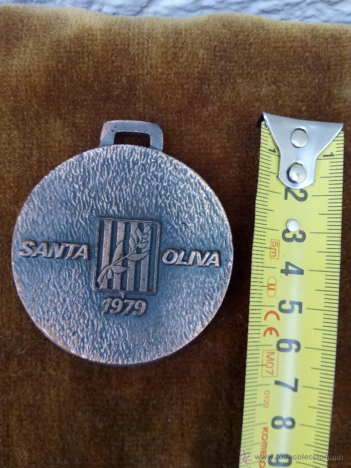 Trofeos y medallas: Medalla del Pueblo de Santa Oliva 1979 - Foto 2 - 51012301