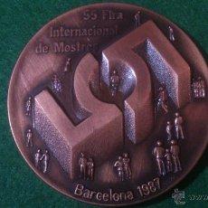 Trofeos y medallas: MEDALLA 55 FIRA INTERNACIONAL DE MOSTRES, BARCELONA 1987, DE PUJOL.. Lote 52363136