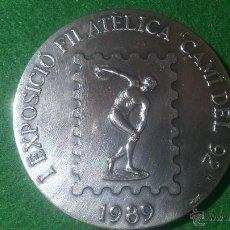 Trofeos y medallas: MEDALLA I EXPOSICIO FILATELICA 'CAMI DEL 92' XLIII EXP.FILATELICA,1989, DE PUJOL, PLATA, MEDALLA Nº1. Lote 52469300