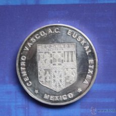 Trofeos y medallas: MEDALLA DEL LXXV ANIVERSARIO DEL CENTRO VASCO DE MEXICO (1907-1982). Lote 54874869