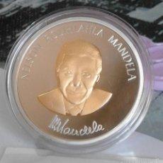 Trofeos y medallas: MEDALLA-MONEDA CONMEMORATIVA NELSON MANDELA - ENCAPSULADA. Lote 57775231
