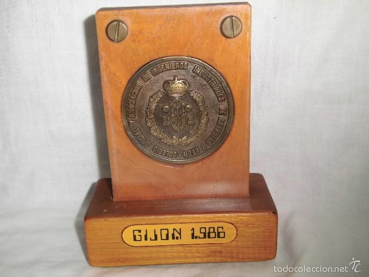 COLEGIO OFICIAL Y ASOCIACIONES DE INGENIEROS INDUSTRIALES DE ASTURIAS Y LEON.-JORNADAS TECNICAS 198 (Numismática - Medallería - Trofeos y Conmemorativas)