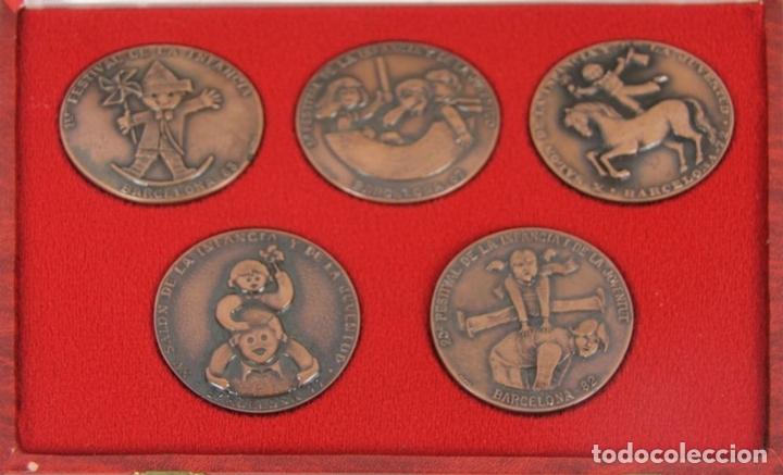 Trofeos y medallas: M-316. COLECCION DE 5 MEDALLAS EN BRONCE DEL SALON INTERNACIONAL DE LA JUVENTUD. EN ESTUCHE - Foto 4 - 44338126