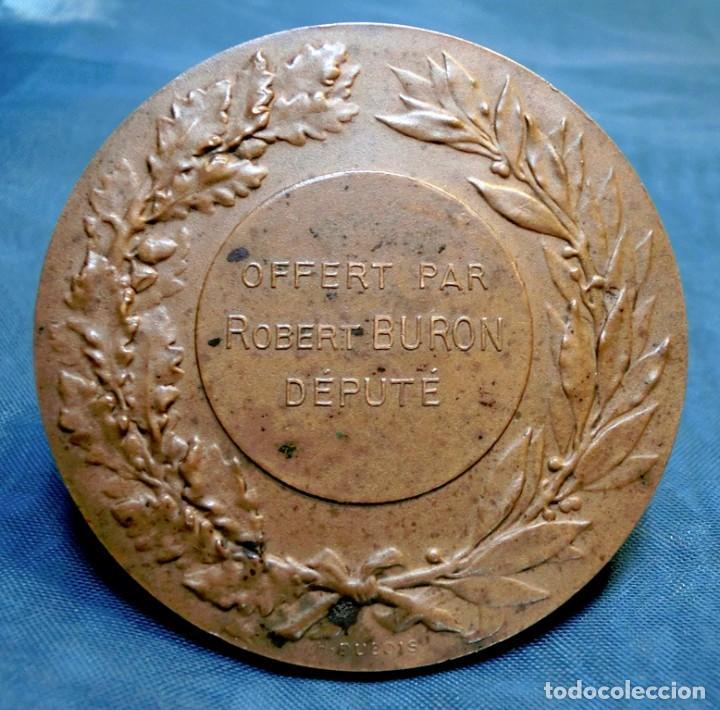 Trofeos y medallas: ANTIGUA Y RARA MEDALLA BRONCE - FIRMADA H. DUBOIS - ORQUESTA DE ÁNGELES - GRABADA POR J. LAGRANGE - Foto 2 - 71679523