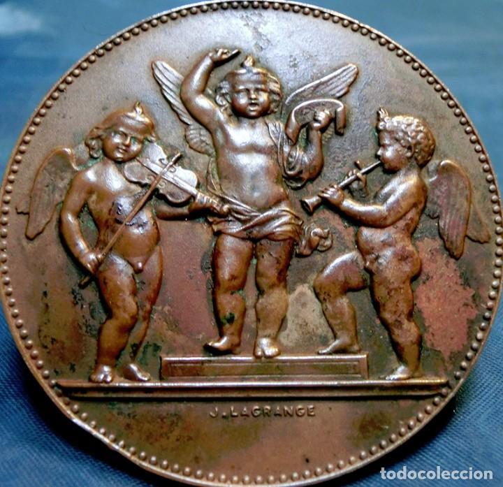 Trofeos y medallas: ANTIGUA Y RARA MEDALLA BRONCE - FIRMADA H. DUBOIS - ORQUESTA DE ÁNGELES - GRABADA POR J. LAGRANGE - Foto 4 - 71679523