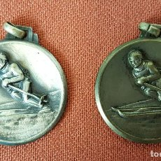 Trofeos y medallas: PAREJA DE MEDALLAS DE ESQUI. METAL PLATEADO. E Y D. 1959/1960. . Lote 71921427