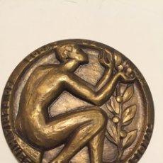 Trofeos y medallas: VALENCIA 1972. 50 FERIA MUESTRARIO INTERNACIONAL.MEDALLA BRONCE. GRABADOR SILVESTRE DE EDETA.. Lote 76772666
