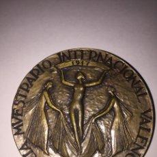 Trofeos y medallas: VALENCIA-FERIA DE MUESTRAS-CINCUENTENARIO. FERIA MUESTRARIO INTERNACIONAL 1967. GRABADOR GABINO.. Lote 77513713