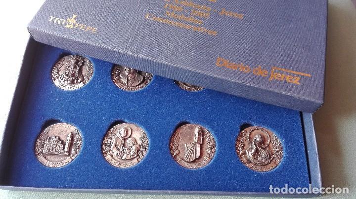 Trofeos y medallas: 8 medallas conmemorativas Diocesis Asidonia Jerez 1980 2005 - Foto 2 - 78938257