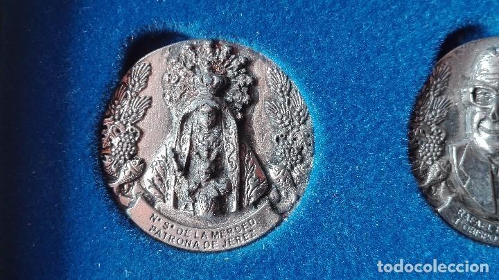 Trofeos y medallas: 8 medallas conmemorativas Diocesis Asidonia Jerez 1980 2005 - Foto 4 - 78938257