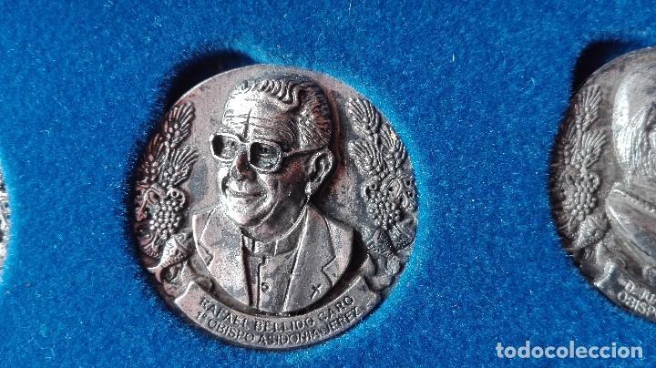 Trofeos y medallas: 8 medallas conmemorativas Diocesis Asidonia Jerez 1980 2005 - Foto 5 - 78938257