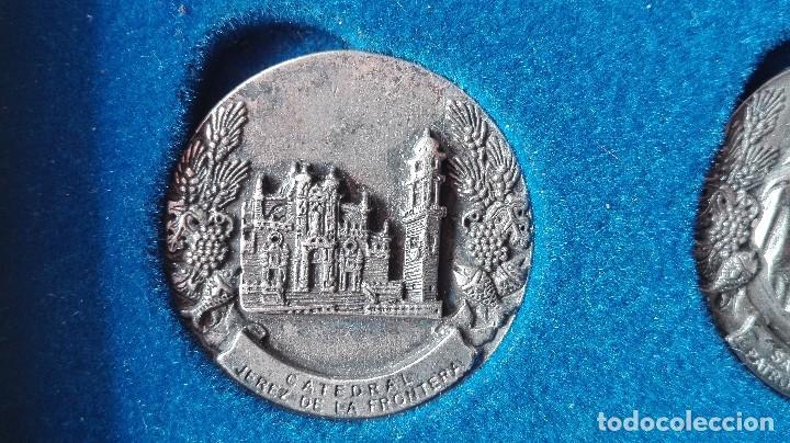Trofeos y medallas: 8 medallas conmemorativas Diocesis Asidonia Jerez 1980 2005 - Foto 8 - 78938257