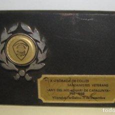 Trofeos y medallas: MEDALLA TEMA SARDANA PLACA X TROBADA DE COLLES SARDANISTES VETERANS ANY DEL MIL.LENARI CATALUNYA 88. Lote 79090385