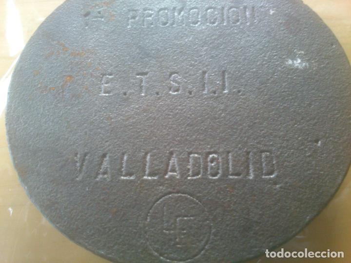 Trofeos y medallas: EN FUNDIDO PRECIOSA PLACA,MEDALLA ESCUDO CORONA LAUREADO. VALLADOLID - Foto 4 - 79676225
