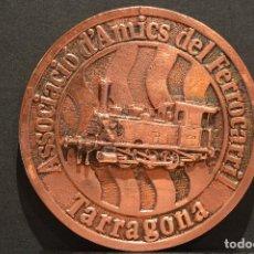 Trofeos y medallas: MEDALLA EN BRONCE TREN PRIMER FERROCARRIL TARRAGONA GRAN TAMAÑO. Lote 71936995