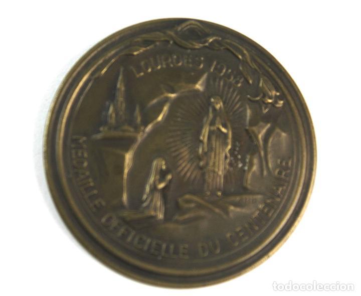 M-607. MEDALLA OFICIAL DEL CENTENARIO APARICION VIRGEN EN LOURDES. 1958. (Numismática - Medallería - Trofeos y Conmemorativas)