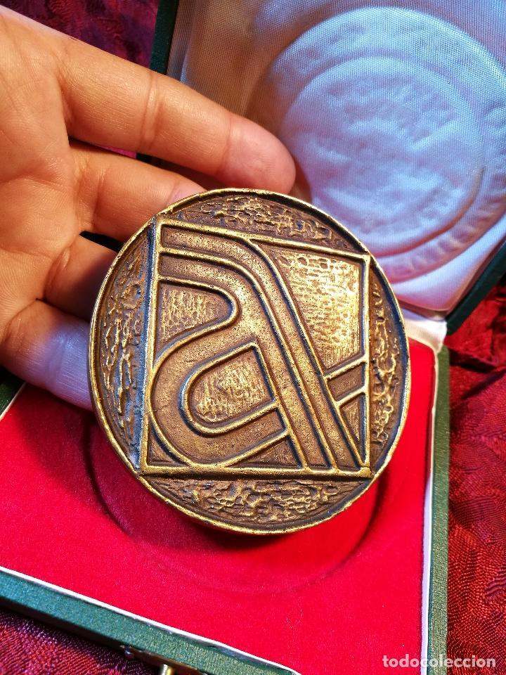 MEDALLA BRONCE CONMEMORATIVA INAGURACION TRAMO BARCELONA GERONA AUTOPISTA MEDITERRANEO AP-7 1971 (Numismática - Medallería - Trofeos y Conmemorativas)
