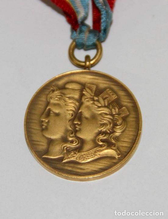 Trofeos y medallas: MEDALLA DE LA MUNICIPALIDAD DE BUENOS AIRES EN HOMENAJE A ESPAÑA. BRONCE. 1900 - Foto 3 - 89828932