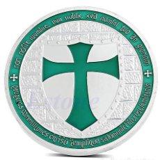 Trofeos y medallas: MONEDA CONMEMORATIVA CABALLEROS TEMPLARIO - CRUZ TURQUESA - LEER DESCRIPCION. Lote 95359375
