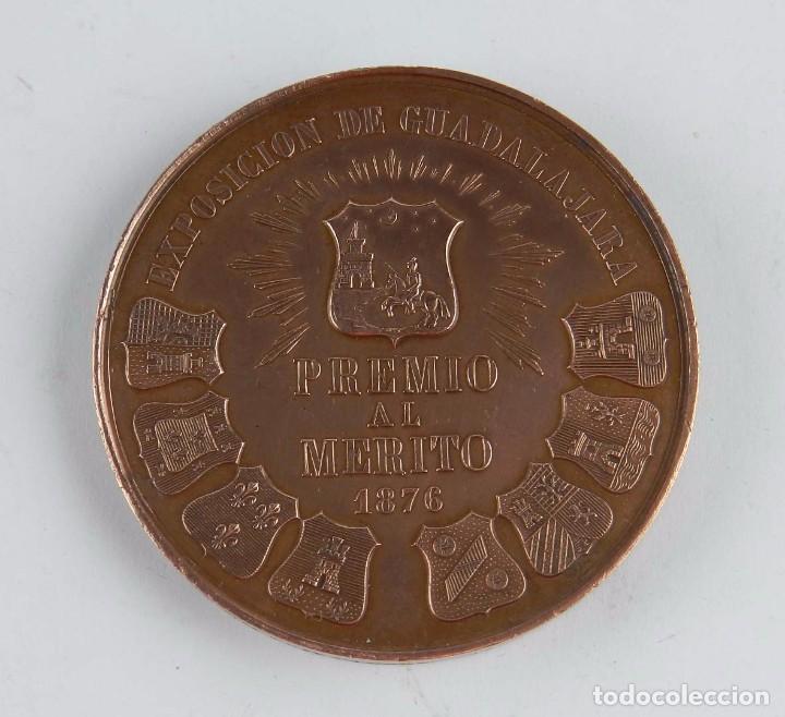 Trofeos y medallas: MEDALLA DE LA EXPOSICION DE GUADALAJARA, PREMIO AL MERITO 1876, REINANDO ALFONSO XII, PROTECTOR DE L - Foto 2 - 96485395
