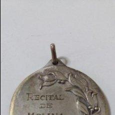 Trofeos y medallas: MEDALLA DEL RECITAL MOLINA 1956. Lote 96550855
