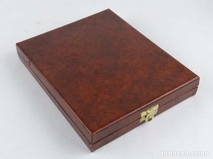 Trofeos y medallas: Medalla conmemorativa Reus 1886 - 1986, mide de diametro 9,2 cm. y pesa 326 gramos. Grosor: 5 mm. En - Foto 4 - 96570279