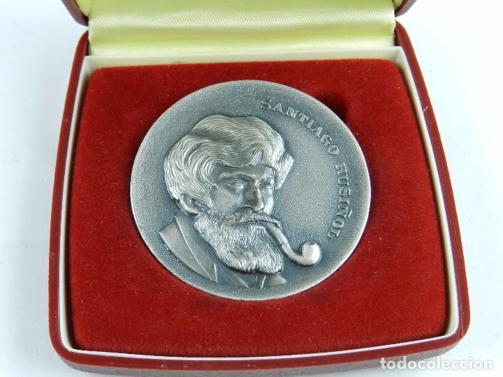 MEDALLA DE SANTIAGO RUSIÑOL, HOMENAJE DE LA CASA DE MADRID EN BARCELONA, 1981, REALIZADA EN BRONCE C (Numismática - Medallería - Trofeos y Conmemorativas)