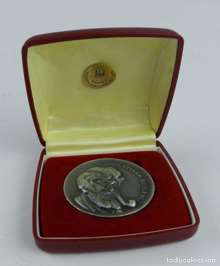 Trofeos y medallas: MEDALLA DE SANTIAGO RUSIÑOL, HOMENAJE DE LA CASA DE MADRID EN BARCELONA, 1981, REALIZADA EN BRONCE C - Foto 3 - 96574967