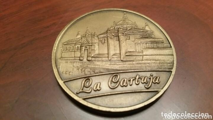 Trofeos y medallas: Moneda Conmemorativa de la Expo 92. Sevilla. (1992). En su funda original - Foto 2 - 97380951