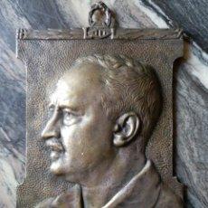 Trofeos y medallas: PLACA CONMEMORATIVA HOMENAJE A VICENTE BLASCO IBAÑEZ.BRONCE, ORIGINAL DE 1933, 30X18,5.. Lote 100428367