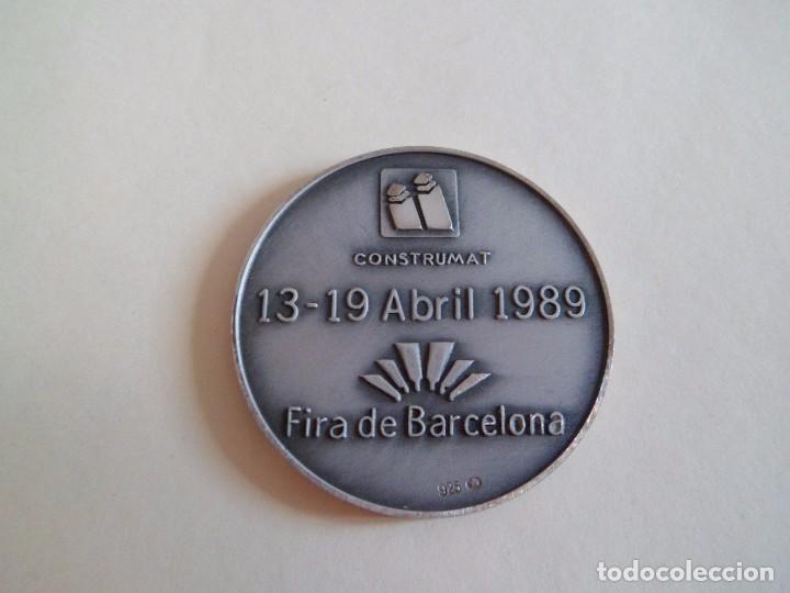 Trofeos y medallas: Medalla de plata 925 Construmat 1989. Barcelona. pujol - Foto 3 - 101357439