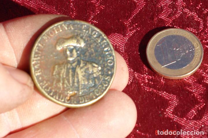 VIEJA MEDALLA RECUERDO DE LA CORRIDA DE BENEFICENCIA RAFAEL MOLINA LA GARTIJO- MADRIS JUNIO 1891 (Numismática - Medallería - Trofeos y Conmemorativas)